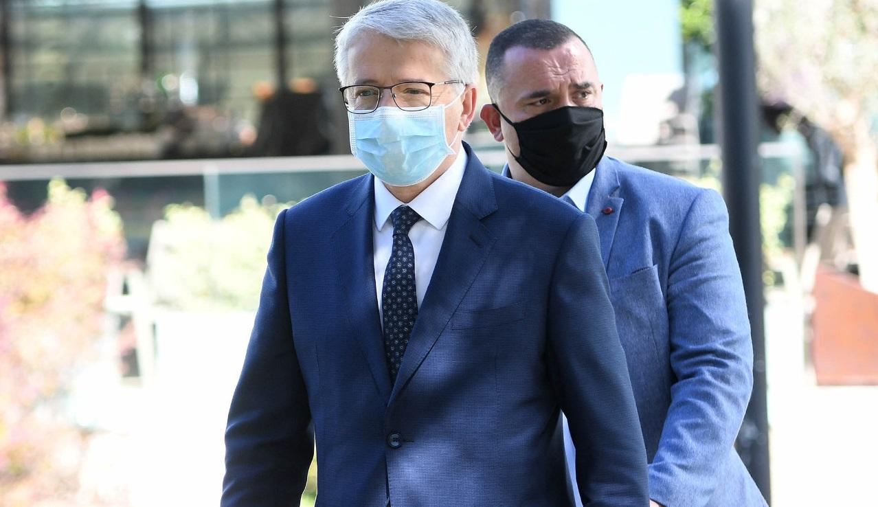 Mbledhja urgjente e Parlamentit na ka kushtuar 6 milionë lekë, për maska e xhel